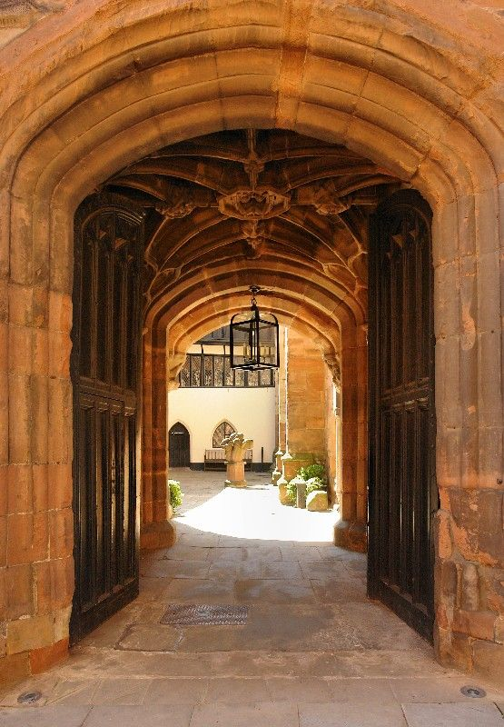 Guildhall-Entrance-Gate