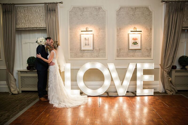 wedding-dining-room-love