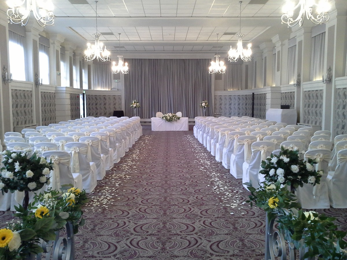 Enstone-Suite-ceremony