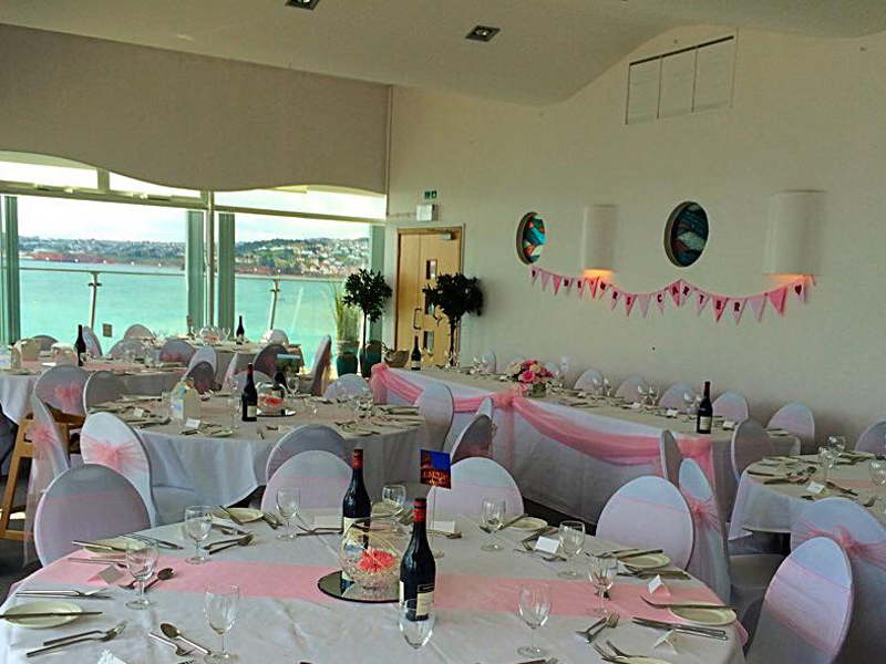 edit-Living-Coasts-Wedding-Round-Tables