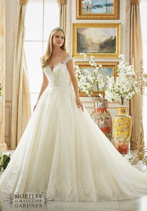 Best wedding dresses for castle wedding venues