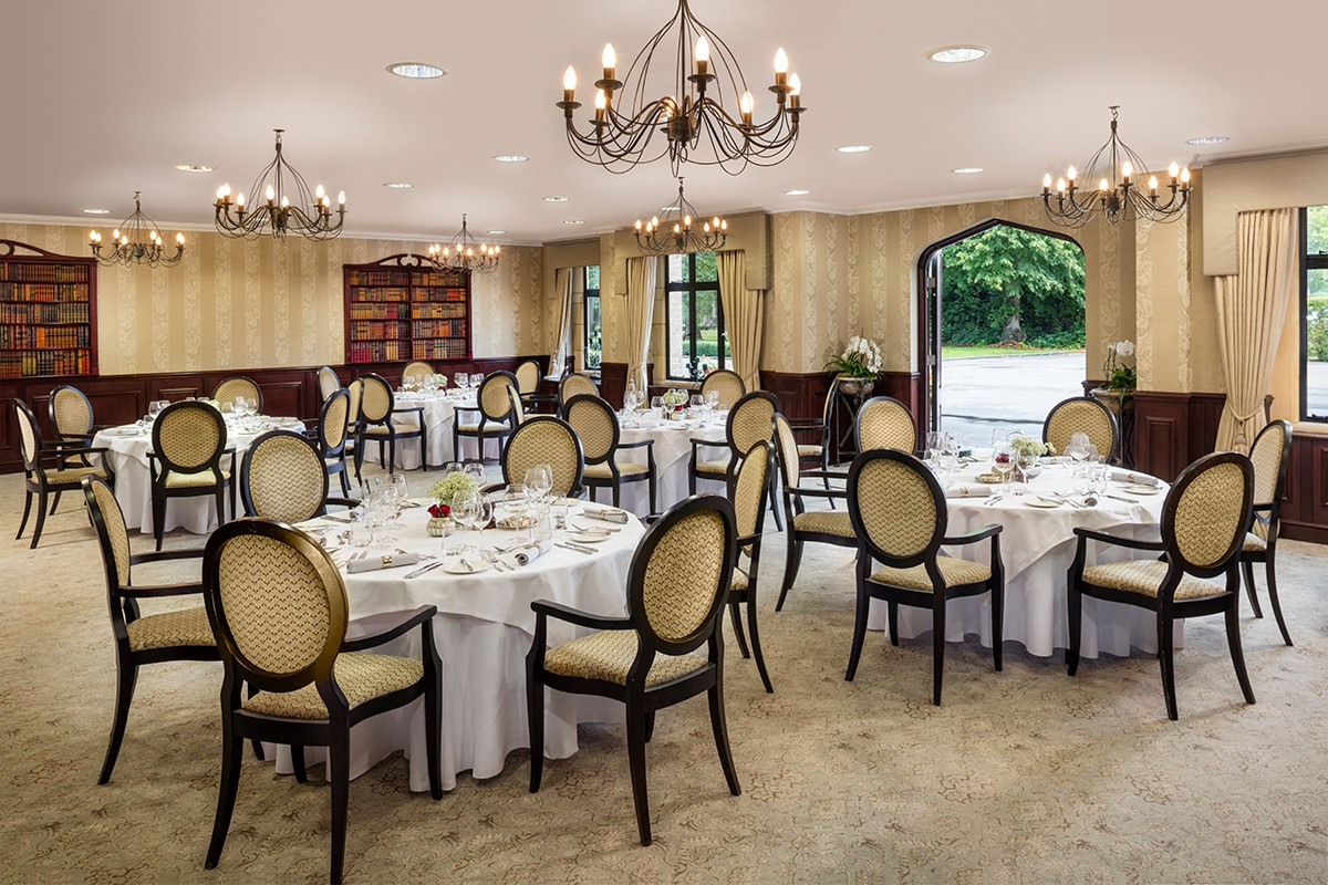 Foxhills-The-Library-dining-01