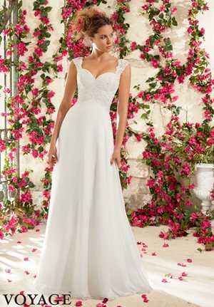 Different wedding dresses for beach wedding venues