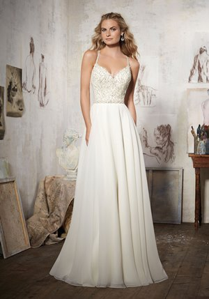 Wedding Dresses for Garden Venues