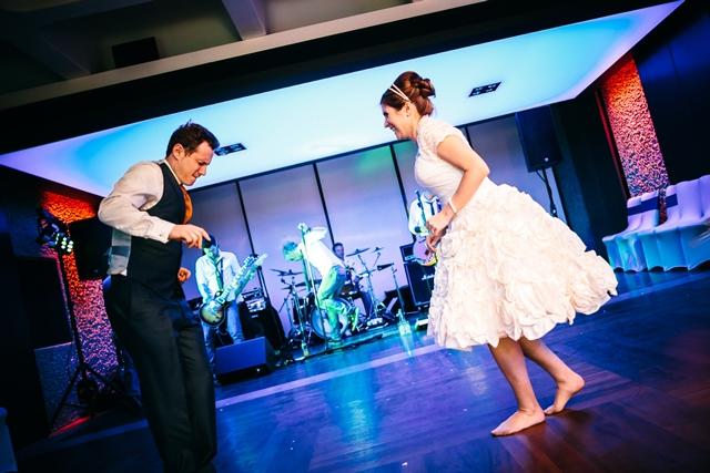 19-Garden-Room-dancing