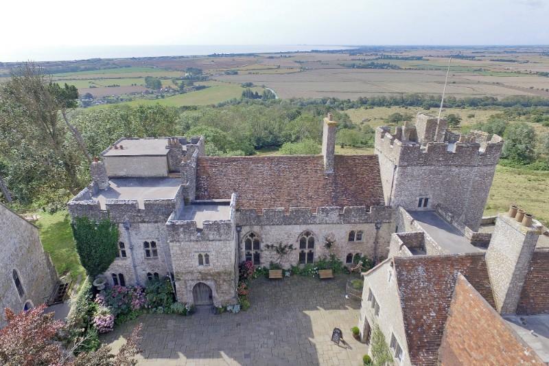 castleentrance-courtyard-viewfromabove