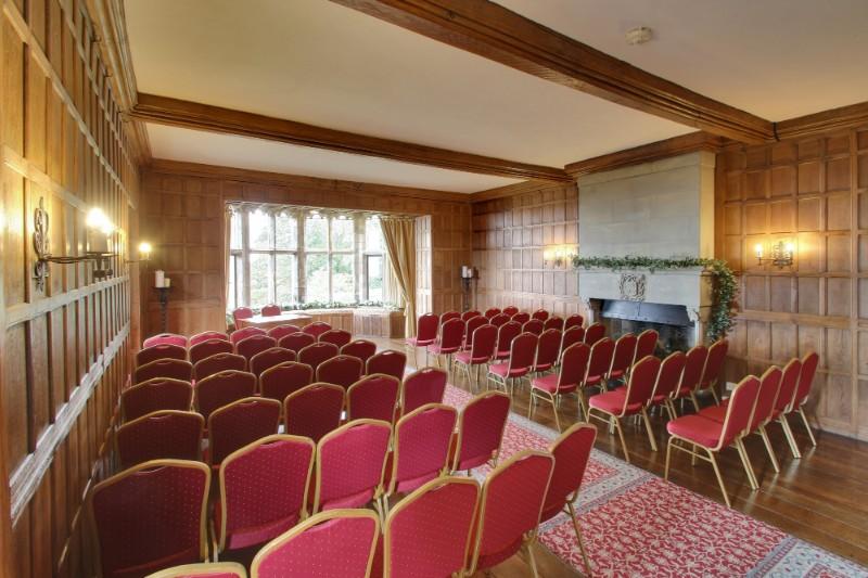westwing-ceremonyroom-baywindow-civilwedding-layoutexample-1