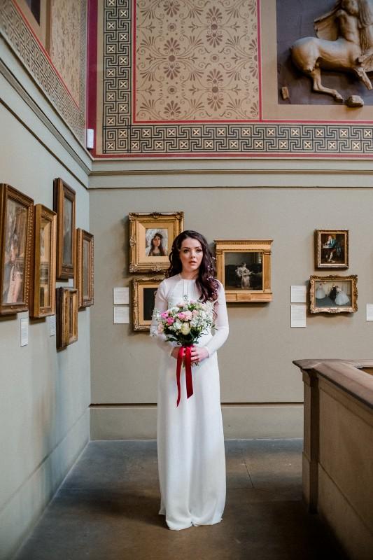Manchester-Art-Gallery-Bridal-Shoot-7